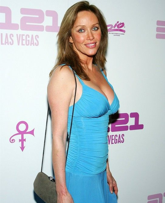 Tanya Roberts - The Official Website